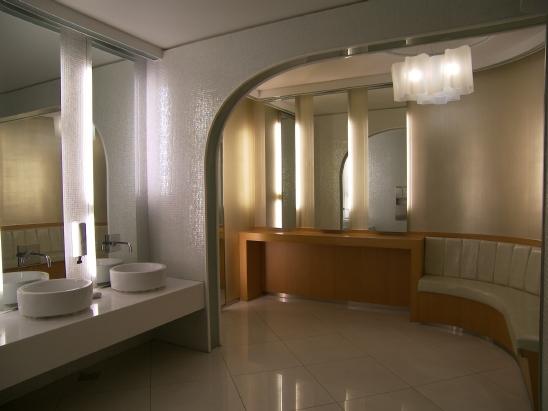현대백화점 삼성점 화장실인테리어 3