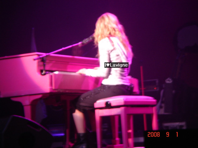 Avril Lavigne Live In Seoul. source from avril lavigne